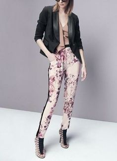 The flowers are starting to bloom and so are the prints! Love these floral pants paired with a neutral top and blazer.