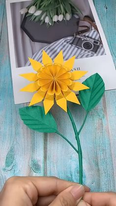 Origami Flowers 212724782387397961 - Source by ibrousse Cool Paper Crafts, Paper Flowers Craft, Paper Crafts Origami, Origami Flowers, Flower Crafts, Flower Paper, Diy Crafts Hacks, Diy Crafts For Gifts, Kids Crafts