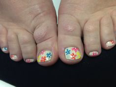 Spring toes! #nailartbykrystle #imagineesthetique #pointeclaire #montreal #pedicure #manicure #nailart #prettytoes #opi
