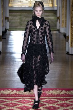 Simone Rocha Fall 2016 Ready-to-Wear Fashion Show