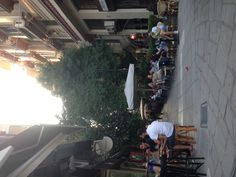 Having an evening mojito at the center of Thessaloniki, perfect weather and perfect temperature.
