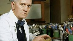 Alexander Fleming famous for the discovery of penicillin