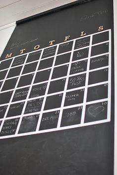 Stor kalender med tavlemaling