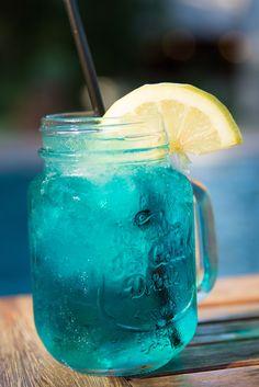 Refreshments during hot summer days. Swim Up Bar, Yummy Snacks, Moscow Mule Mugs, Summer Days, Perfect Place, South Africa, Mason Jars, Hot, Mason Jar