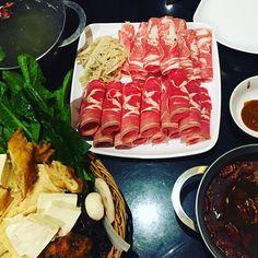 About last night... On se met dans l'ambiance du nouvel an chinois avec une fondue qui réchauffe le cœur et...l'estomac. #hotpot #fondue #chinois #auciel #chinese #nouvelanchinois #cny #nouvelan #hiver #winter