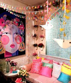 Indian Room Decor, Ethnic Home Decor, Home Decor Furniture, Home Decor Bedroom, Living Room Decor, Indian Home Interior, Terrace Decor, Colourful Living Room, Home Room Design