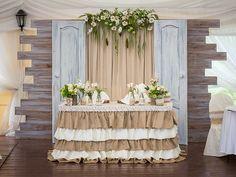 Стол молодоженов. Wedding head table