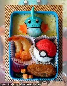 What's for lunch? An awesome Pokemon-themed meal in a Japanese Bento Box! What's for lunch? An awesome Pokemon-themed meal in a Japanese Bento Box! Japanese Bento Box, Japanese Food Art, Kawaii Bento, Japan Kawaii, Cute Food, Yummy Food, Bento Box Lunch, Bento Food, Sushi Lunch