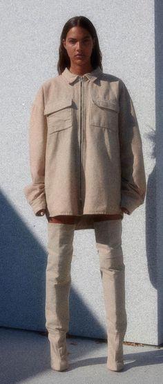 Veste oversize beige + cuissarde beige = Collection Yeezy season 4