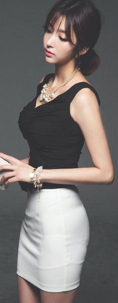 Luxe Asian Women Design Korean Model Fashion Style Shearing stem Black Blouse