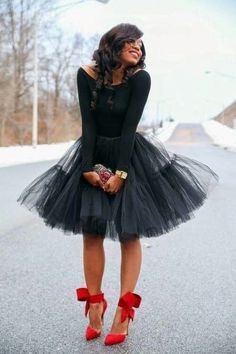 40 Feminime Look Schwarzer Tüllrock Outfits Ideen 22 Black Tulle Skirt Outfit, Black Tutu, Skirt Outfits, Cute Outfits, Black Tulle Skirts, Night Outfits, Tutu Skirt Women, Trendy Outfits, Trend Fashion