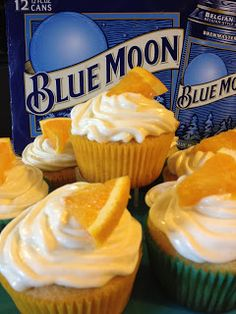 Blue Moon Cupcakes Bird-Norman you wanna make these for me! Just Desserts, Delicious Desserts, Dessert Recipes, Yummy Food, Blue Moon Cupcakes, Orange Cupcakes, Yummy Treats, Sweet Treats, Cupcake Cakes
