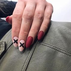 Nail art Christmas - the festive spirit on the nails. Over 70 creative ideas and tutorials - My Nails Nail Swag, Simple Nail Designs, Nail Art Designs, Red Nails, Hair And Nails, Cute Nails, Pretty Nails, November Nails, American Nails