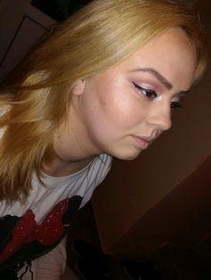 #eyeliner #makeup #softpink #contour #browneyes #beautiful #cousin