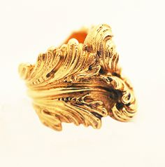 BUCCELLATI VINTAGE GOLD RING. to die for.