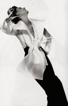 Photograph by Gian Paolo Barbieri for Gianfranco Ferre advertisement, Fall / Winter 1991. Model: Aly Dunne.