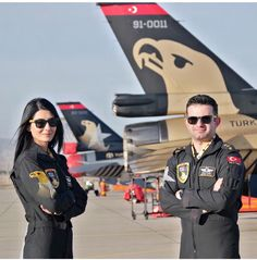 Yusuf Kurt and his wife Ayşegül # solotürk Jet Fighter Pilot, Air Fighter, Fighter Jets, Military Women, Military Jets, Military Aircraft, Turkish Military, Turkish Army, Female Pilot