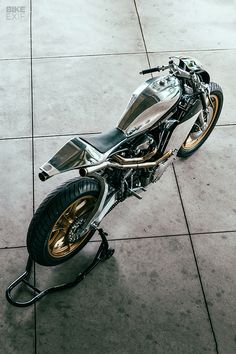 Tracker Motorcycle, Bobber Motorcycle, Motorcycle Design, Bike Design, Custom Motorcycles, Custom Bikes, Cars And Motorcycles, Moto Cross, Harley Bobber