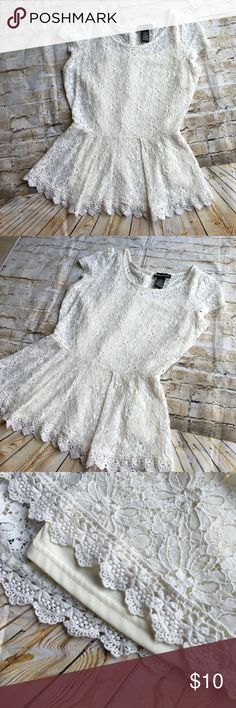 Beautiful lace blouse color Ivory, come with lining. No tears or stains. Perfect condition. Tops Blouses