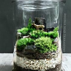 Mini deer grazing (terrarium)