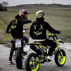 Cars and motor - Ktm Dirt Bikes, Cool Dirt Bikes, Motorcycle Dirt Bike, Moto Bike, Dirt Bike Girl, Motard Bikes, Motocross Maschinen, Motorcross Bike, Bike Photoshoot