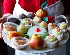of Sicily: Sicilian Sweets Well, there's some cake there somewhere. sweets from SicilyWell, there's some cake there somewhere. sweets from Sicily Italian Cake, Italian Cookies, Italian Desserts, Cake Pops, Sicilian Recipes, Sicilian Food, Marsala, Italian Pastries, Sicily