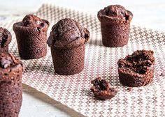 Μάφιν κακάο χωρίς αυγά Greek Recipes, Dog Food Recipes, Cooking Recipes, Crazy Cakes, Food Categories, Vegan Desserts, Cupcake Cakes, Cupcakes, Muffins