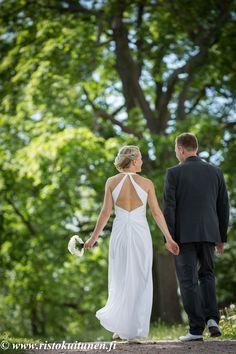 #weddings #couple #hääpari #portrait #summer #luonnossa #kesä #weddingphotography #hääkuvaaja #valokuvaaja