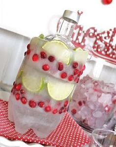 You will love this diy ice bottle cooler! It's a great way to keep vodka or wine chilled during a party. Find out how easy it is to make right here. Cocktails, Party Drinks, Martini Party, Vodka Drinks, Holiday Parties, Holiday Fun, Christmas Entertaining, Summer Parties, Christmas Cocktail