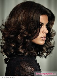 Love the layers Pictures : Brown Hair Color Shades - Dark Chocolate Brown Hair Color Medium Short Hair, Medium Hair Styles, Curly Hair Styles, Short Curls, Big Curls, Medium Layered, Brown Hair Color Shades, Brown Hair Colors, Hair Colour