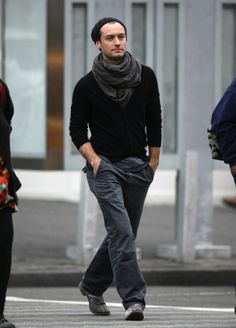 Jude Law HES WEARING A SCARF....HOLY YES