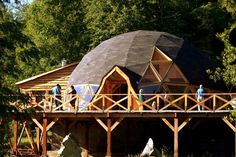 30 Geodesic Dome Ideas for Greenhouse, Chicken Coops, Escape Pods, etc. Geodesic Dome Homes, Dome House, Sistema Solar, Earthship, Round House, Habitats, Tiny House, Architecture Design, House Styles