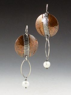 Copper Disc and Pearl Mixed Metal Earrings by MicheleGradyDesigns Copper Earrings, Copper Jewelry, Modern Jewelry, Wire Jewelry, Boho Jewelry, Jewelry Art, Jewelery, Jewelry Design, Pearl Earrings