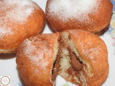 Gogosi umplute Food Cakes, Hamburger, Cake Recipes, Bread, Cakes, Easy Cake Recipes, Kuchen, Brot, Baking