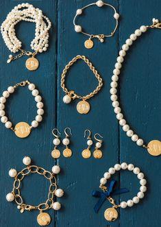 Pearl Drop Chain Bracelet - Pearl Drop Chain Bracelet Informations About Pearl Drop Chain Bracelet Pin You can easily use my pro - Cute Jewelry, Pearl Jewelry, Jewelry Crafts, Beaded Jewelry, Beaded Necklace, Beaded Bracelets, Jewellery, Bulgari Jewelry, Handmade Jewelry Bracelets