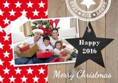 Trendy kerstkaart met eigen foto, houtprint en sterren.