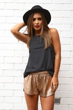 5 Ways To Wear Metallics During The Day