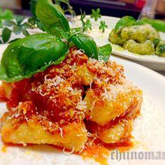 ジャガイモをたくさん頂きまして ニョッキ 作ってみましたー クララさんのソースは絶品✨ ベランダのバジル二度目の収穫~ 美味しいレシピに感謝です〜٩(๑❛ᴗ❛๑)۶ - 248件のもぐもぐ - クララさんの完熟トマトで作ったソース❤と、ジェノベーゼ❤で  ニョッキ〜♪ by chiinomama