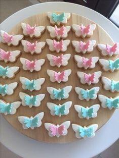 Vanilla&cinnamon butterfuly cookies by kristen – Lace Wedding Cake Ideas Vanilla Cookies, Iced Cookies, Biscuit Cookies, Easter Cookies, Sugar Cookies, Fondant Cookies, Cookie Icing, Cupcake Cookies, Butterfly Cookies