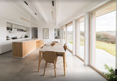 House on Clifden Bay / Tierney Haines Architects (Arch Daily) Sheridan House, Student House, Architecture Awards, Timber House, International Style, Architect House, Brickwork, Decoration, Home And Family