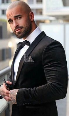Clint Chadwick, Bald Men Style, Bald Look, Mode Man, Formal Men Outfit, Hunks Men, Beautiful Men Faces, Mein Style, Dapper Men