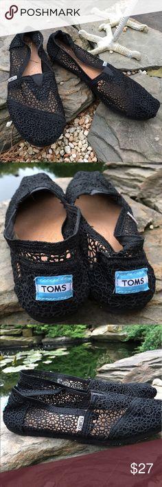 Black lace Toms. excellent condition Size 9 black lace Toms.   Excellent condition TOMS Shoes Flats & Loafers