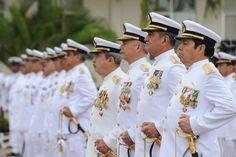 Miembros de la fuerza naval momentos previos a la Entrega de Mando de Armas de la Fuerza Naval del Golfo y Primera Región Naval