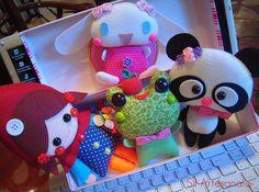 Felt stuffed animals for Victoriah? Sewing Crafts, Sewing Projects, Craft Projects, Felt Pillow, Plushies, Softies, Felt Toys, Felt Art, Felt Ornaments