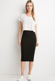 51 Elegant Black Pencil Skirt Outfit Ideas You are in the right place about velvet Skirt Here we offer you the most beautiful pictures about the ankara Skirt you Black Pencil Skirt Outfit, Midi Rock Outfit, Black Skirt Outfits, Long Pencil Skirt, Pencil Skirt Casual, Black Midi Skirt, High Waisted Pencil Skirt, Pencil Dresses, Casual Skirts