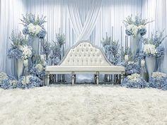 Reception Stage Decor, Wedding Backdrop Design, Wedding Stage Design, Wedding Reception Backdrop, Simple Wedding Decorations, Backdrop Decorations, Wedding Ideas, Pelamin Simple, Saturday Sunday