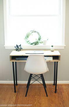 Super Easy DIY Industrial Desk