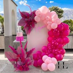 Birthday Balloon Decorations, Girl Baby Shower Decorations, Birthday Backdrop, Birthday Balloons, Balloon Gift, Balloon Garland, Wild One Birthday Party, Birthday Party Themes, Deco Ballon