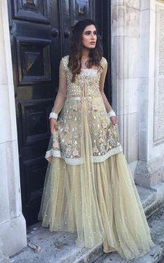 Pinterest: @pawank90 Pakistani Couture, Pakistani Bridal, Pakistani Outfits, Indian Bridal, Indian Outfits, Indian Designer Outfits, Designer Dresses, Ethnic Fashion, Indian Fashion