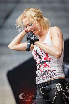 Angela Gossow, Arch Enemy, Music Is Life, Music Bands, Heavy Metal, Lady, Celebrities, People, Heavy Metal Music